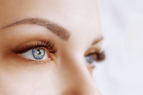 en kvindes øjne set tæt på